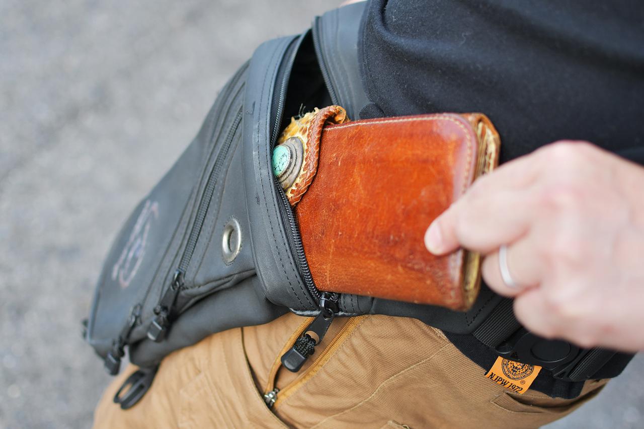 画像2: 長財布にはもっとでかいのを