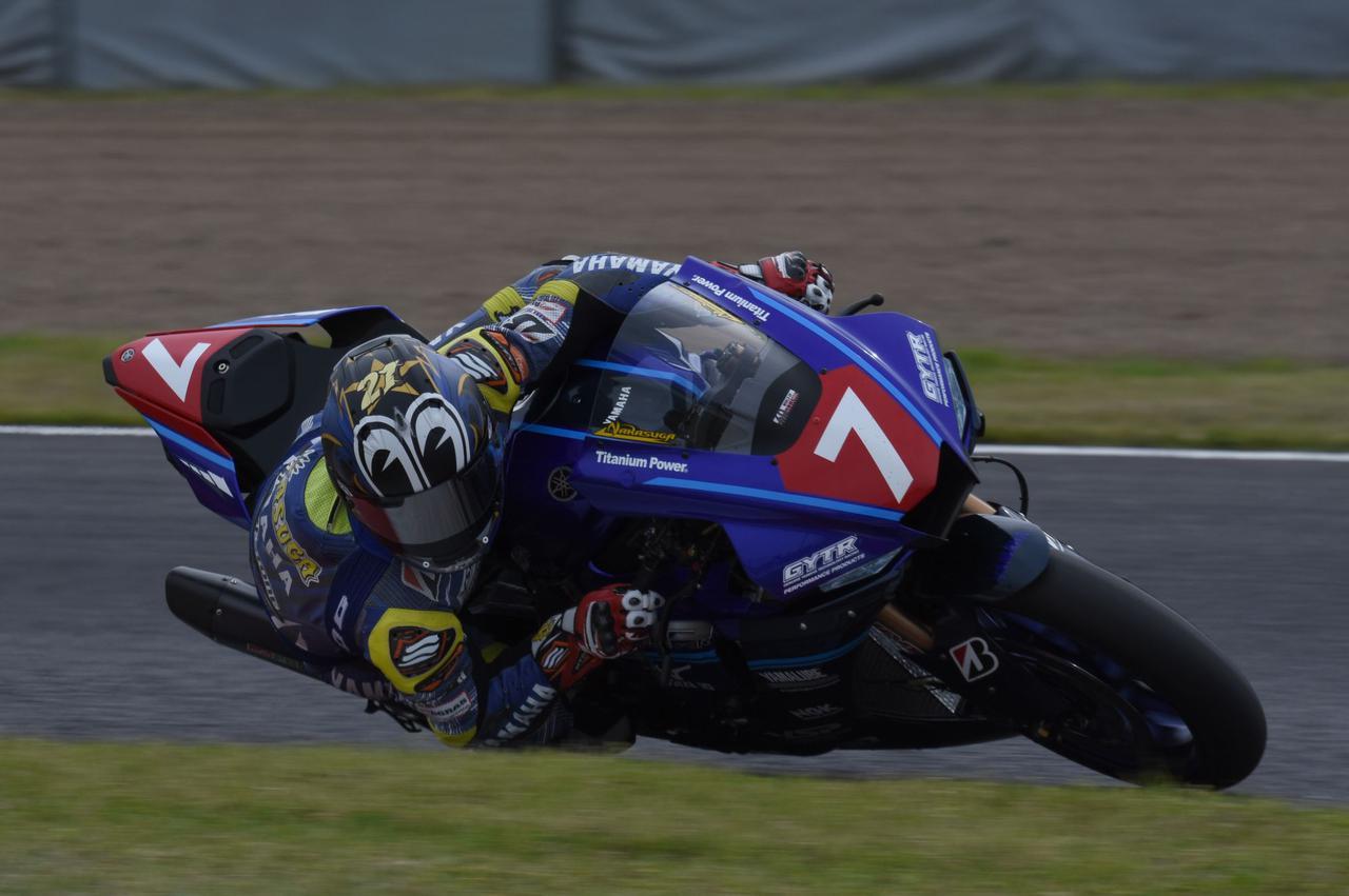 画像: トップに浮上してからはひとり旅 レース終盤にタイヤもセーブできて、終わってみれば3秒差
