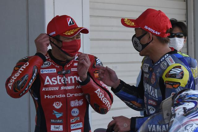 画像: 中須賀と清成、年齢はひとつ違いで、いろんなキャリアを経ていま全日本で戦っています
