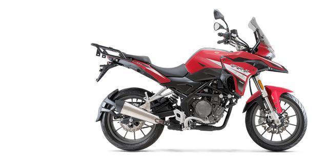 画像3: ベネリ「TRK251」インプレ(2021年)250ccで長距離ツーリングを楽しみたいライダーの新たな選択肢となるか、価格・燃費に注目