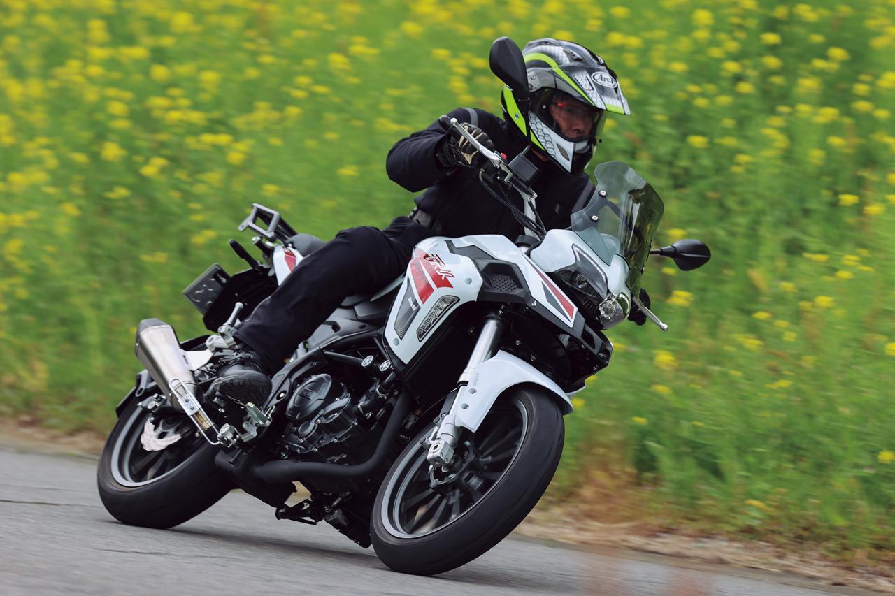 画像2: ベネリ「TRK251」インプレ(2021年)250ccで長距離ツーリングを楽しみたいライダーの新たな選択肢となるか、価格・燃費に注目