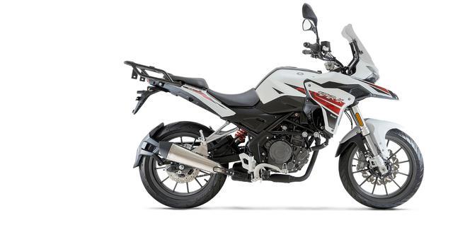 画像7: ベネリ「TRK251」インプレ(2021年)250ccで長距離ツーリングを楽しみたいライダーの新たな選択肢となるか、価格・燃費に注目
