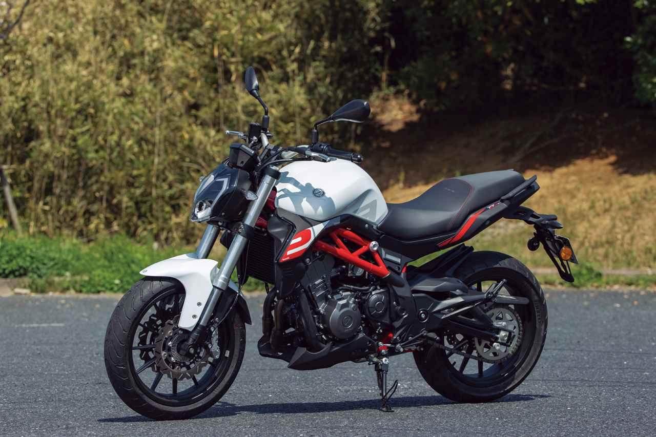 画像: Benelli TNT249S 総排気量:250cc エンジン形式:水冷4ストDOHC4バルブ並列2気筒 シート高:795mm 車両重量:204kg メーカー希望小売価格:税込63万6900円/64万7900円(グリーン)
