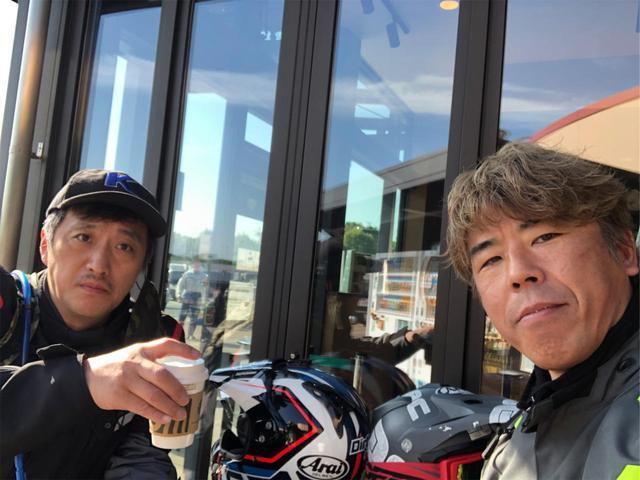 画像: ▲左が大鶴義丹さん、右が私。