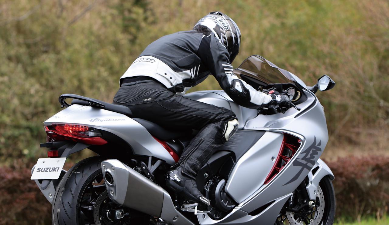 Images : 1番目の画像 - 【写真7枚】スズキ新型「ハヤブサ」 - webオートバイ