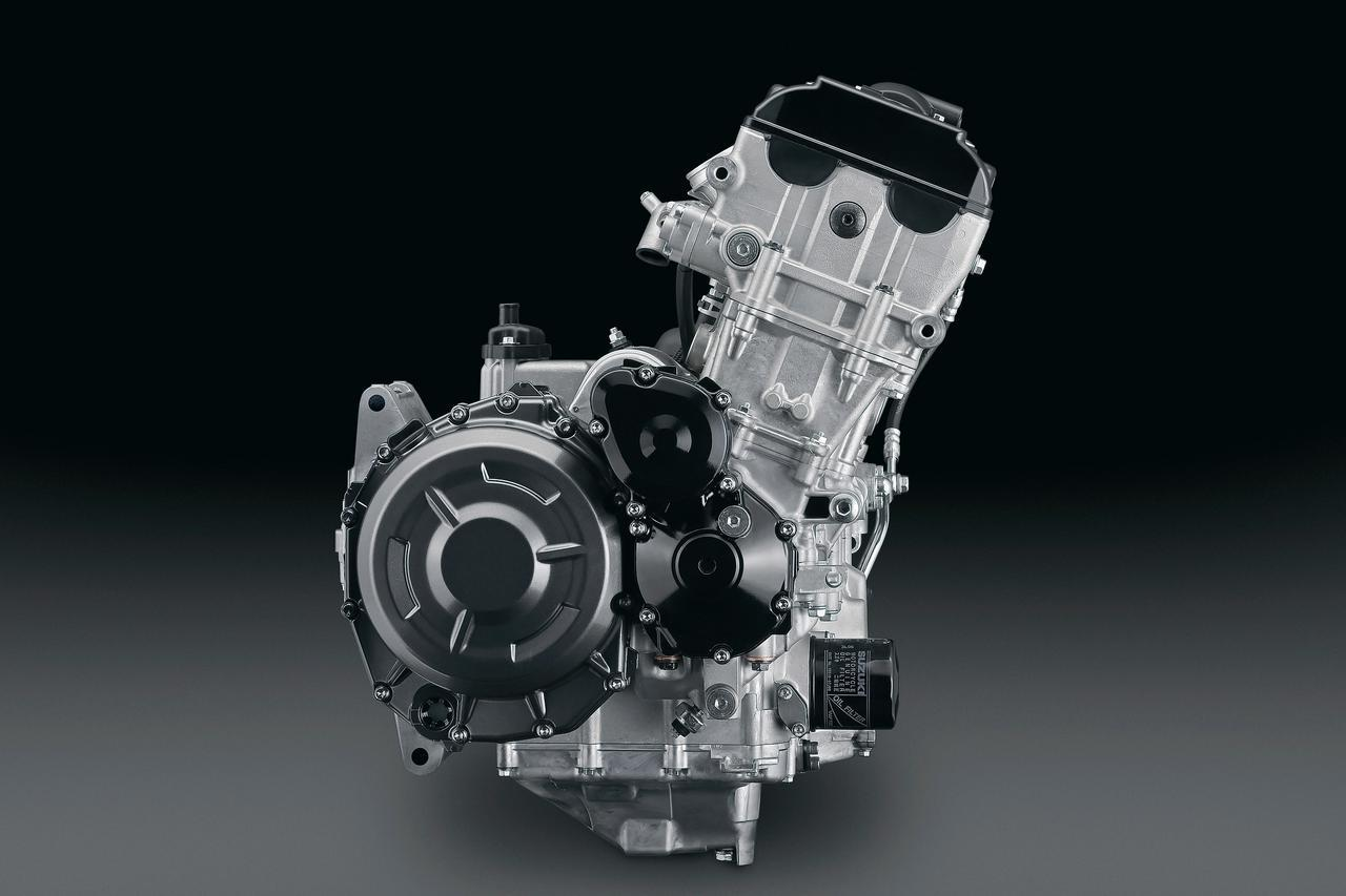 画像: ムービングパーツの大半を新作したエンジン。パワースペックは188PSだが、測定基準が異なるだけで、190PSの輸出仕様と同一だ。