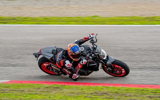 画像: 新型モンスター & モンスター・プラス - Just Fun - スポーティなネイキッド・バイクのシンボル | Ducati