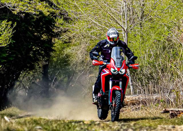 画像: 林道ツーリング初心者におすすめの装備とは? パンク・転倒などのトラブル対処法を解説 - webオートバイ
