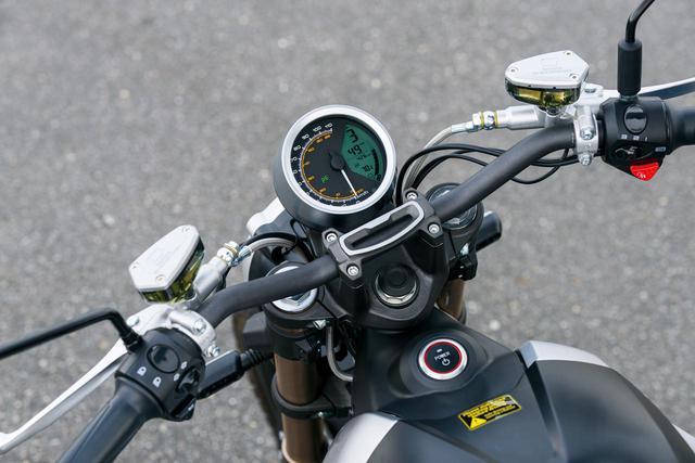 """画像2: 電動バイクは日本でも""""アシ""""になるのか? 5台の海外製モデルを乗り比べてみた【最新電動バイク解説】"""