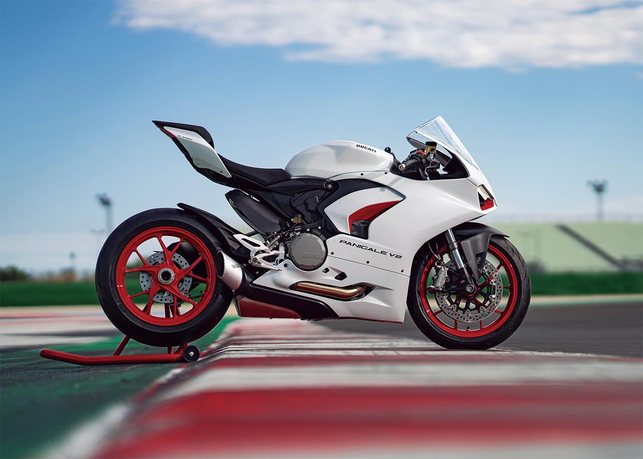 Images : 2番目の画像 - 【写真2枚】ドゥカティ「パニガーレ V2」 - webオートバイ