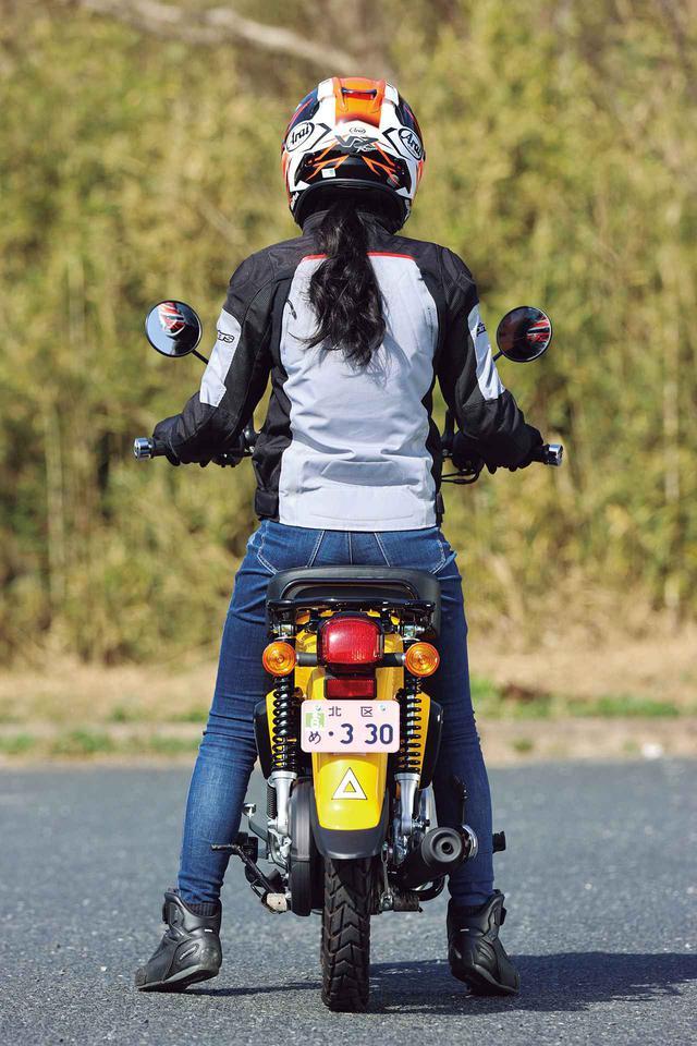 画像: ホンダ「クロスカブ110」足つきチェック・各部解説 - webオートバイ