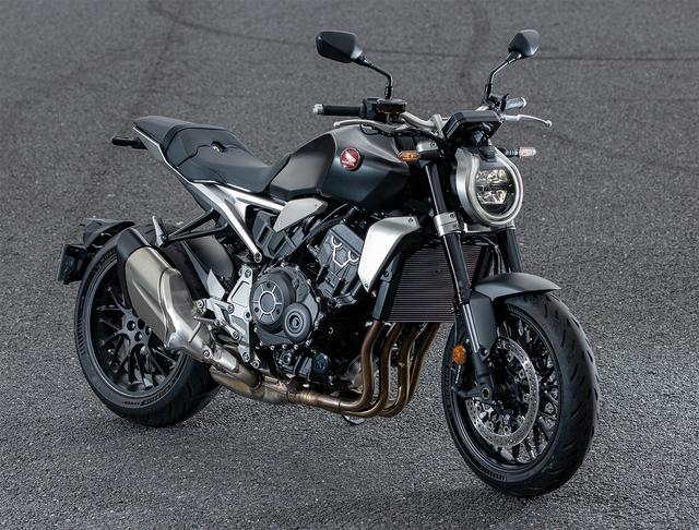 画像: Honda CB1000R 総排気量:998cc エンジン形式:水冷4ストDOHC4バルブ並列4気筒 シート高:830mm 車両重量:213kg 2021年モデルの発売日:2021年3月25日 メーカー希望小売価格:税込167万900円※受注生産車