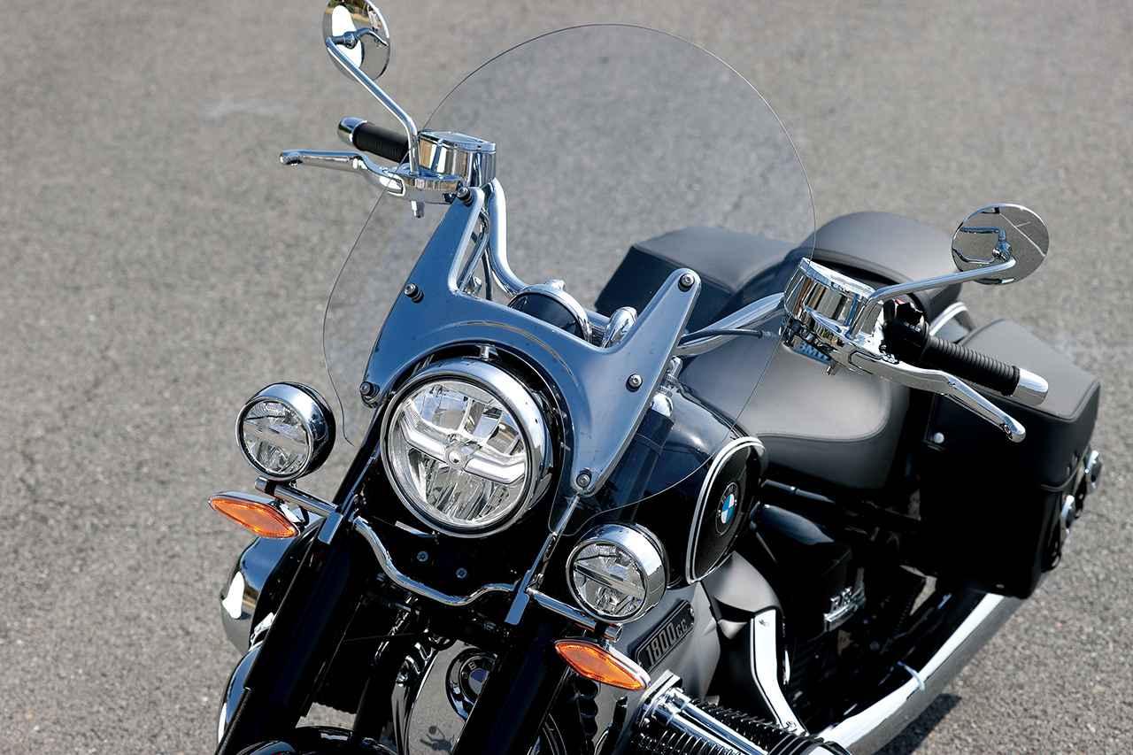 画像: 大型のウインドシールドとLEDドライビングランプを標準装備。クラシックツアラーらしい、風格のある表情を見せる。