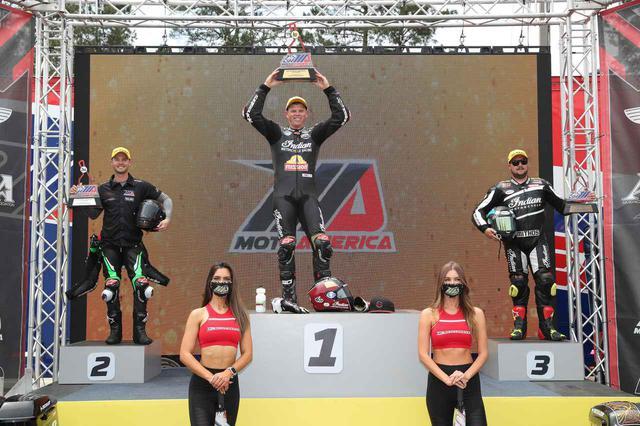 画像: 優勝はMission Foods S&S Cycle Indian Challengerのタイラー・オハラ 2位はHarley Davidson Road Glideのカイル・ワイマン 3位は ローランドサンズデザイン・インディアンチャレンジャーのフランキー・ガルシア