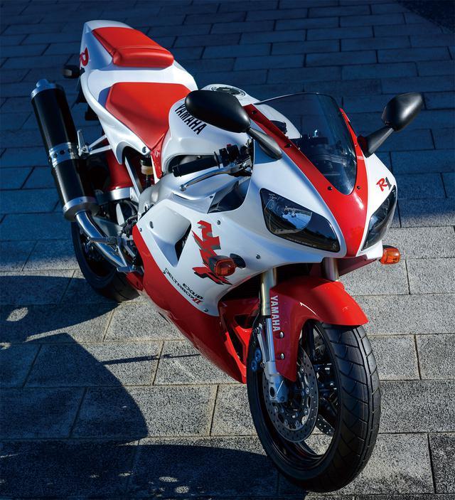画像: YAMAHA YZF-R1 総排気量:998cc エンジン形式:水冷4ストDOHC5バルブ並列4気筒 最高出力:150PS/10000rpm 最大トルク:11.0kg-m/8500rpm 車両重量(乾燥):177kg ※輸出車(1998年・4XV)
