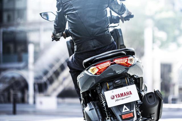 画像3: ヤマハが新型「NMAX ABS」の国内仕様車を発表! エンジン改良&新フレームの採用とともにトラコンやスマホ連携機能も新搭載