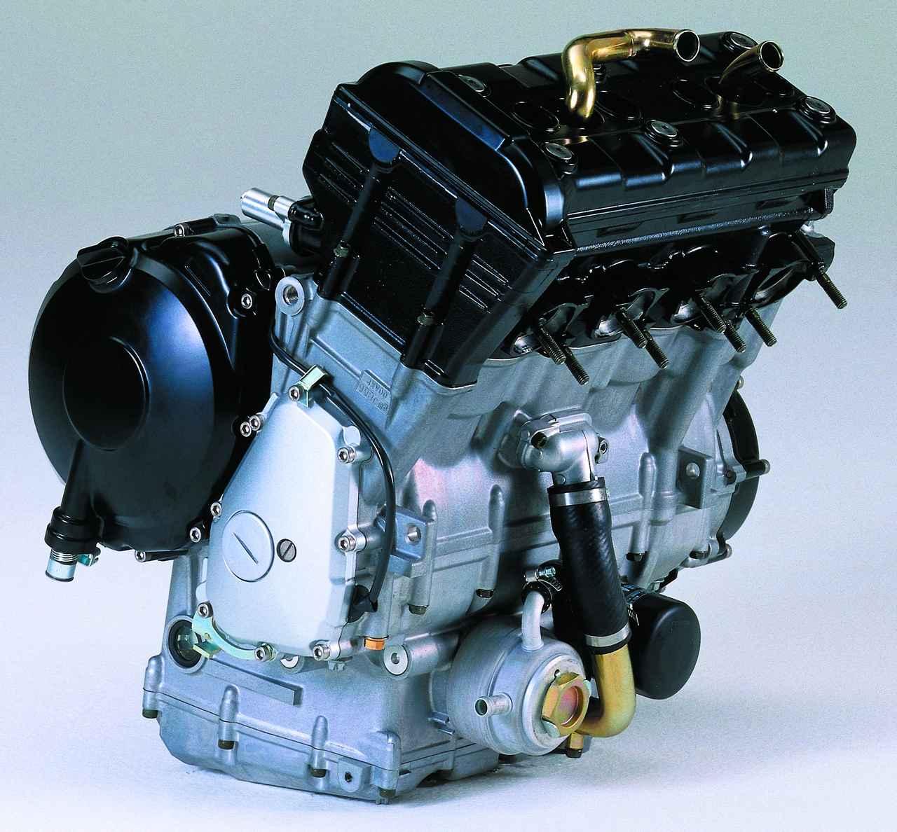 画像: エンジン単体重量は65.3kg。これはサンダーエースより9.3kgも軽く、エンジンの前後長も81mm短い数値だ。