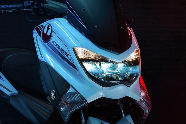 画像: 「スター・ウォーズ」の世界観をヤマハNMAXにミックスした限定モデルがブラジルで登場 - webオートバイ