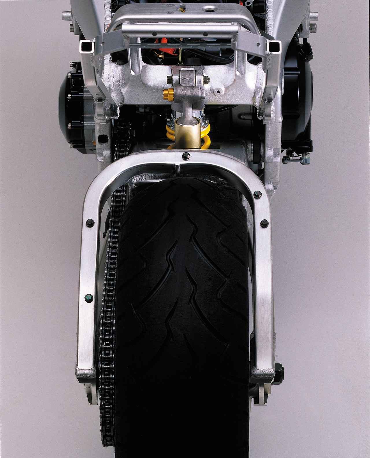 画像: Φ40mmピギーバックタイプのフルアジャスタブル・リアショックは創輝(現ヤマハモーターパワープロダクツ)製。