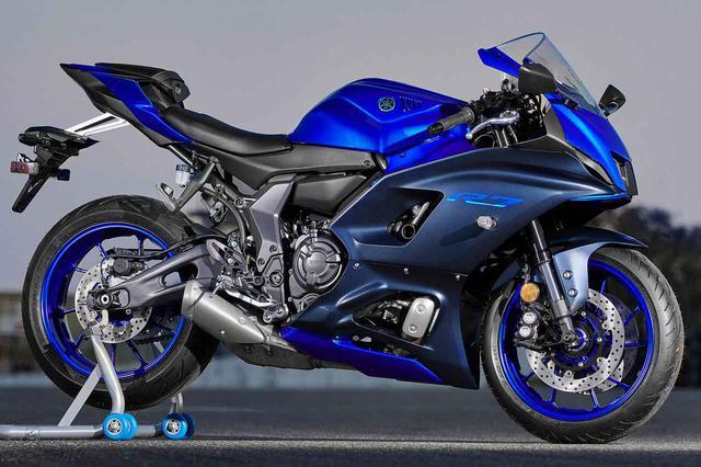 画像: ヤマハ「YZF-R7」のエンジンや足回りのパーツを見てみよう! ネイキッドのMT-07とのちがいもチェック - webオートバイ