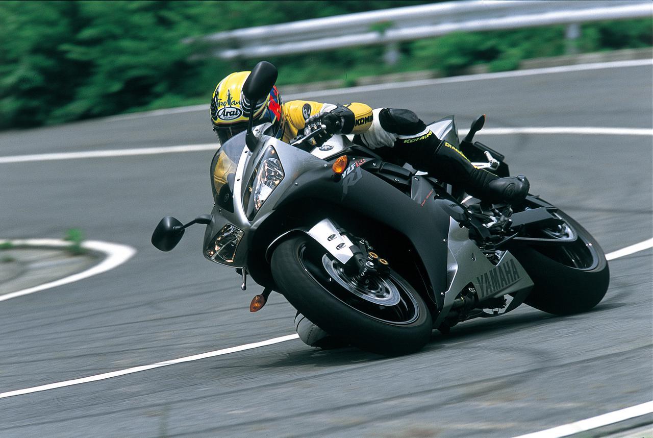 画像1: ヤマハ3代目「YZF-R1」(2002年)|YZF-R1の歴代モデルを振り返る その3【2002・5PW】