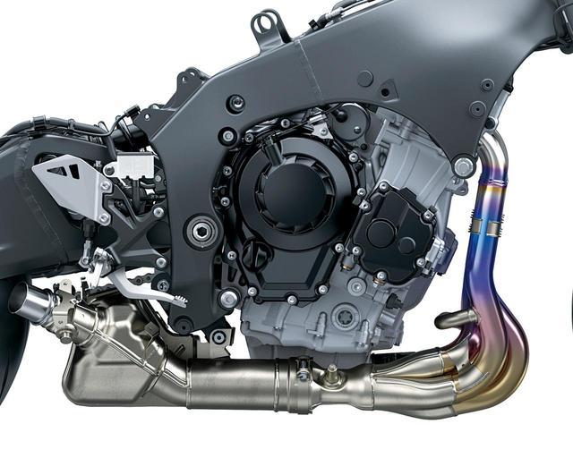 画像: 最高出力はRより1PS高い204PS。RRは発生回転数が1万4000回転に引き上げられた。