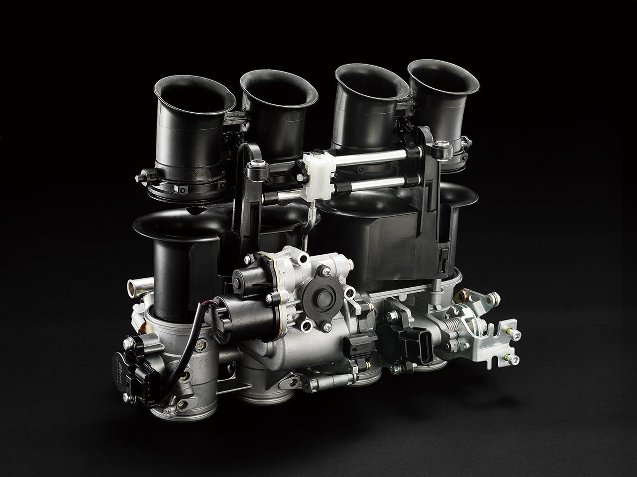 画像: 可変スロットルの電子制御インテーク(YCC-I)と電子制御スロットル(YCCT)を採用。YCC-Iはエンジン回転数とスロットル開度によってファンネル長を変化させ、YCC-TはECUが最適なスロットル開度を演算し、モーターがバルブを作動させる。