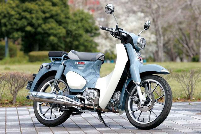 画像: Honda SUPER CUB C125 国内発売版スーパーカブ史上、初めて125㏄となったC125。初代カブことC100のイメージを忠実に再現、キーレスエントリーや前後の切削ホイールがゴージャスな新世代カブ。 税込価格:40万7000円 www.autoby.jp