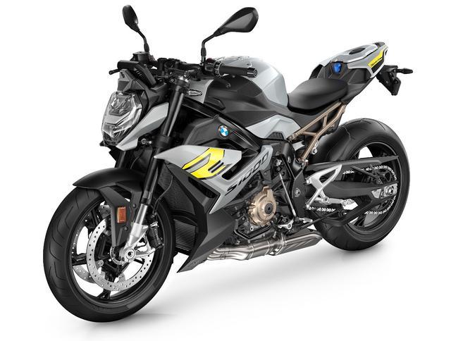 画像: BMW S 1000 R 総排気量:999cc エンジン形式:水冷4ストDOHC4バルブ並列4気筒 シート高:830mm 車両重量:199kg