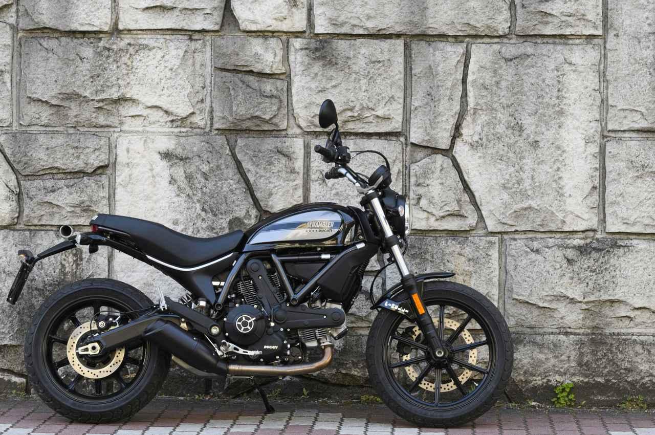画像: ▲400ccと言えば国産モデルを選ぶしドゥカティといえばスーパーバイクが王道。意外なチョイスだけれどSixty2はもっと評価されるべきだ。