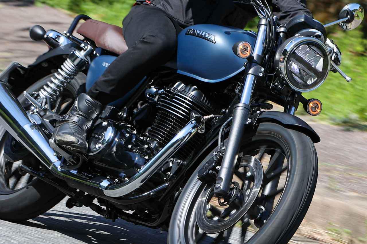 画像: 【試乗インプレ】ホンダ「GB350」新設計の空冷単気筒エンジンに注目、乗り心地や鼓動感を徹底レビュー(2021) - webオートバイ