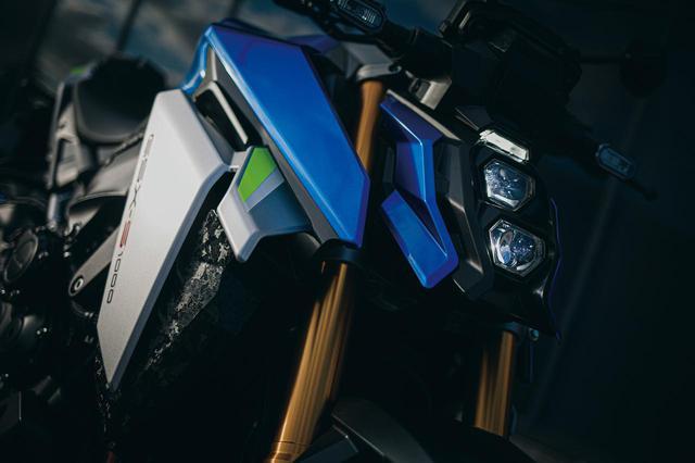 画像: LEDヘッドライトはポジションも含めると縦3眼デザイン。シュラウドはダクトウイング形状で走行風を整流。