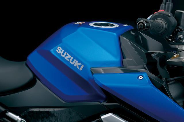 画像: タンクは前モデルより2L増量した19L容量とすることでロングツーリングの利便性も向上させている。