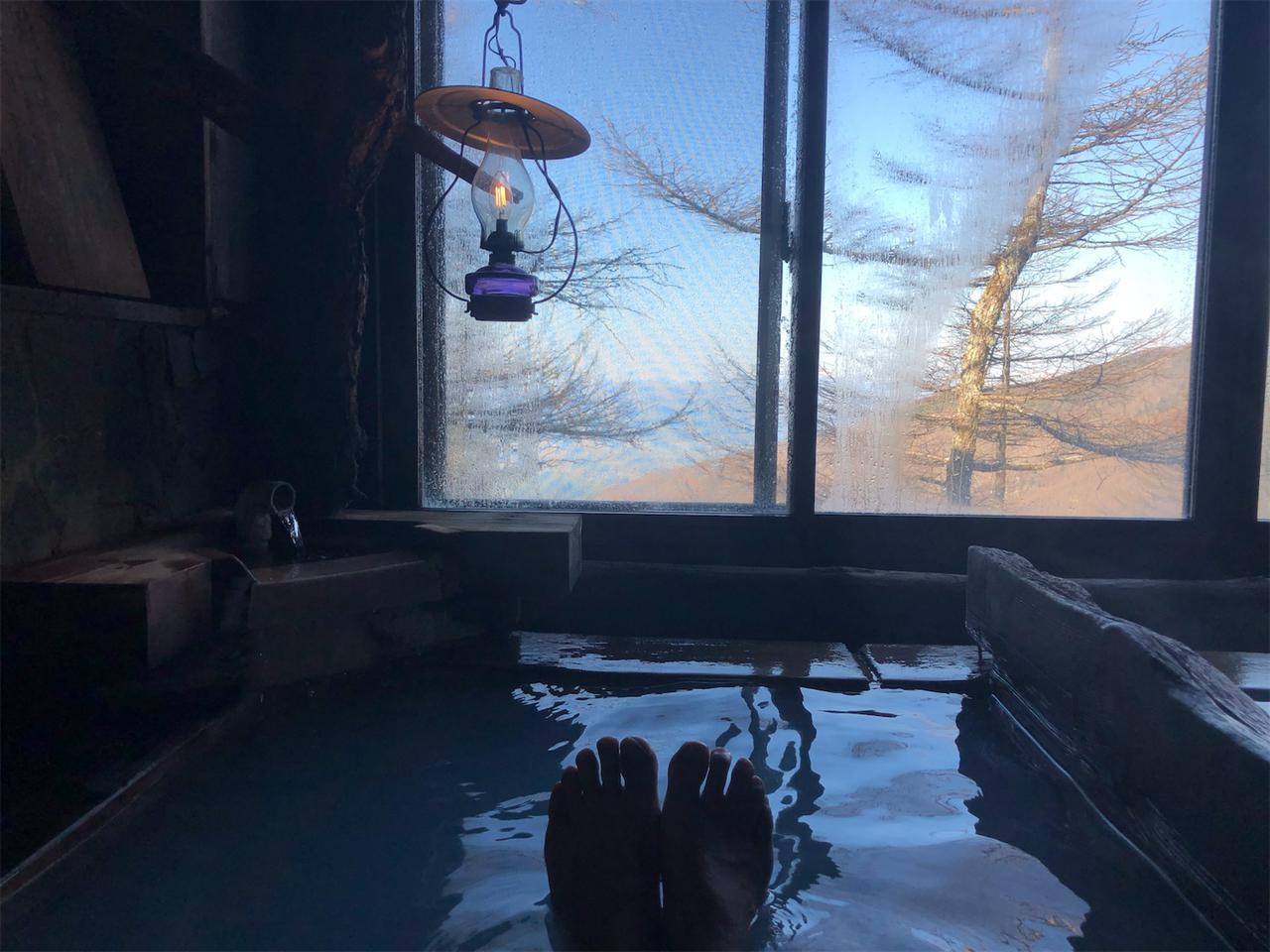 画像2: 標高2000mの林道で春の雪? 雲上の野天風呂を目指してダートを駆けあがる!【三橋淳のアフリカツイン・トリップ】