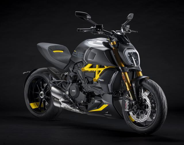 画像: DUCATI Diavel1260S Black&Steel Version 総排気量:1262cc エンジン形式:水冷4ストDOHC4バルブL型2気筒 最高出力:162PS/9500rpm