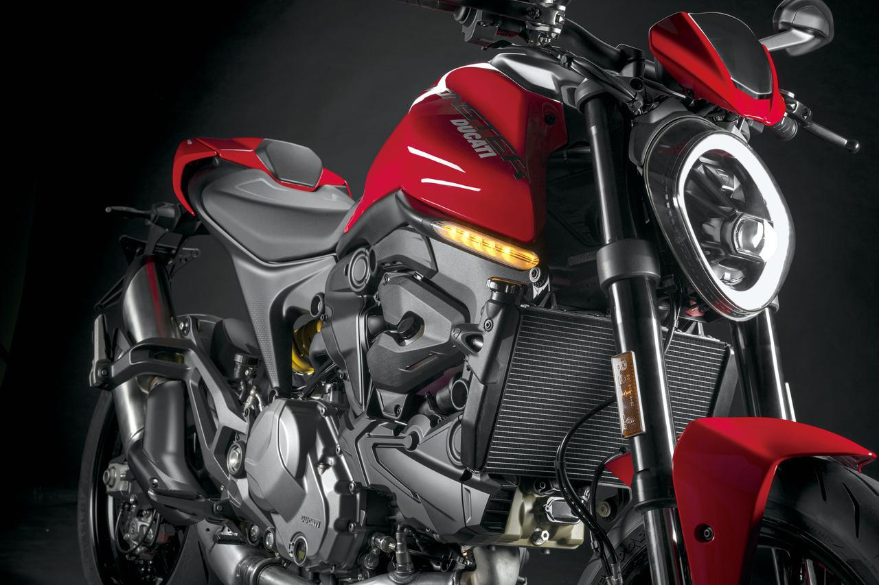 画像: ドゥカティ新型「モンスター」「モンスター・プラス」を解説 - webオートバイ