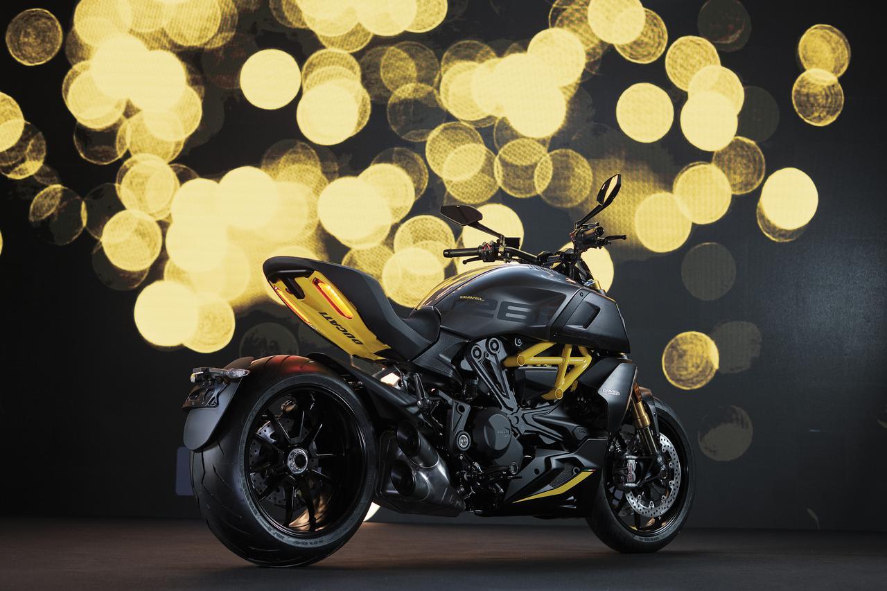 Images : 1番目の画像 - 【写真18枚】ドゥカティ「ディアベル1260S ブラック&スチール」 - webオートバイ
