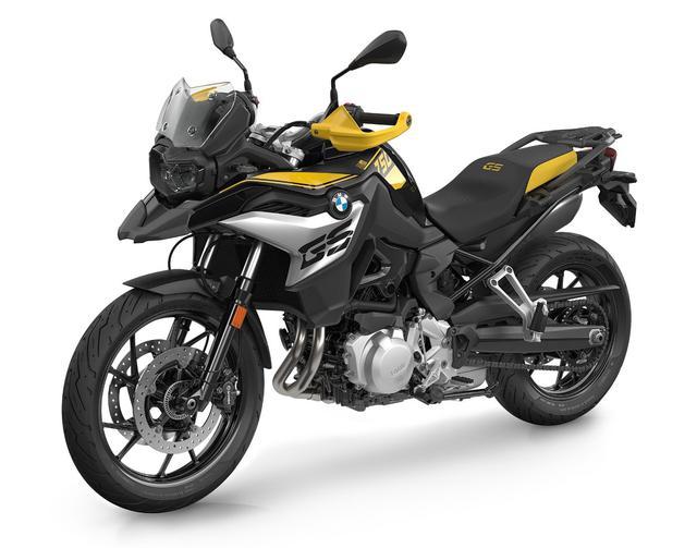 画像: BMW F750GS 40Years GS Edition 総排気量:853cc エンジン形式:水冷4ストDOHC4バルブ並列2気筒 最高出力:77PS/7500rpm 最大トルク:83Nm/6000rpm 車両重量:230kg