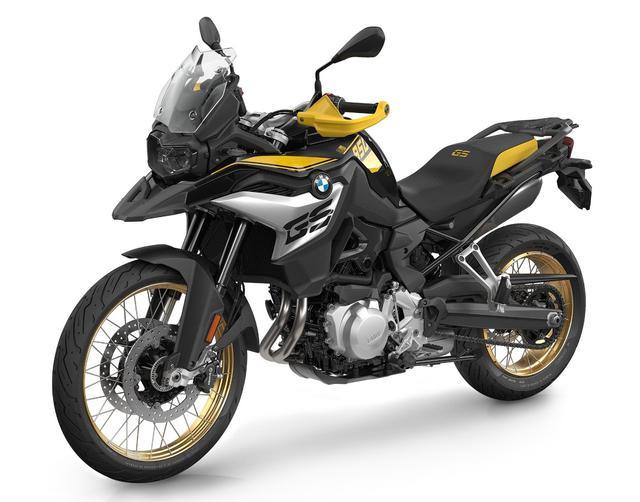 画像: BMW F850GS 40Years GS Edition 総排気量:853cc エンジン形式:水冷4ストDOHC4バルブ並列2気筒 最高出力:95PS/8250rpm 最大トルク:92Nm/6250rpm 車両重量:235kg