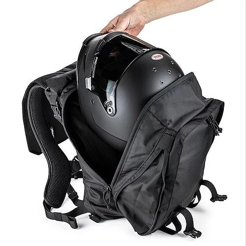 画像: ▲「MAX 28 バックパック」は拡張すると最大容量の28Lに。ヘルメットがものによっては入るサイズとなります。