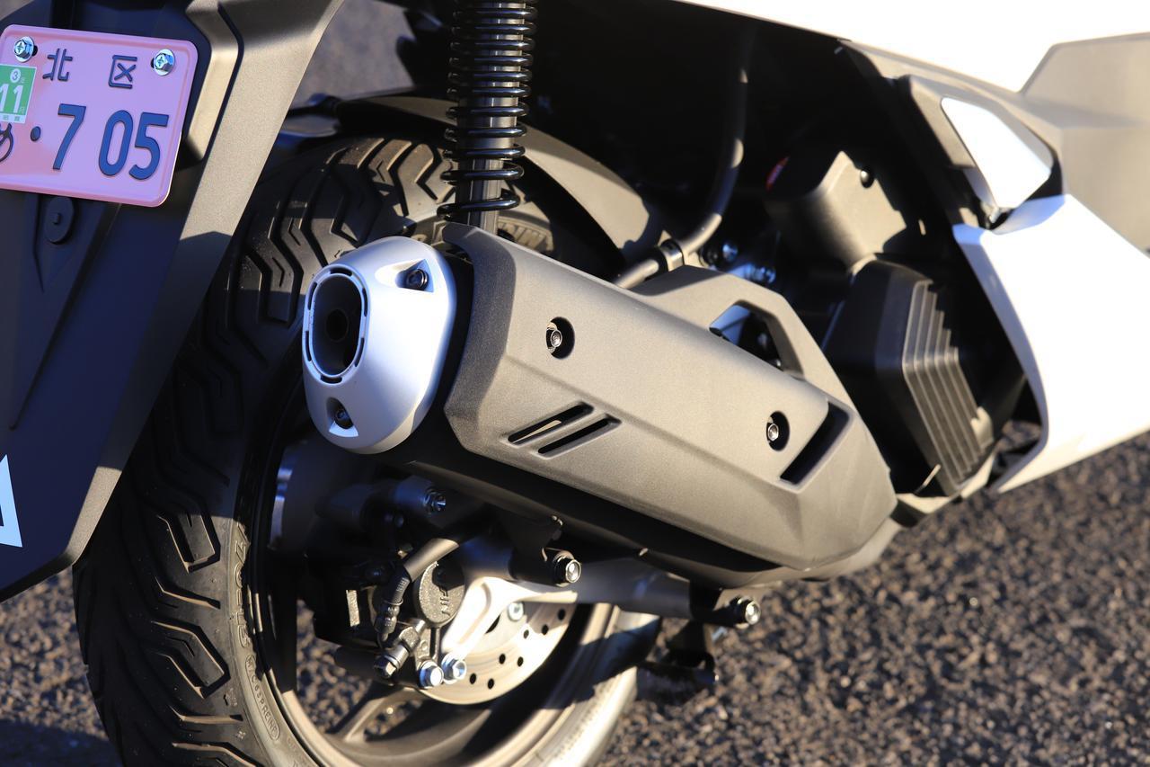 画像: ▲エンジンとともにマフラーが暖まるまで作動しないんですね!