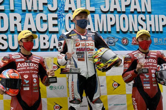 画像: ST1000レース1は榎戸育寛がST1000クラス初優勝!