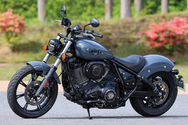 画像: Indian MOTORCYCLE Chief Dark Horse 総排気量:1890cc エンジン形式:空冷4ストOHV2バルブV型2気筒 シート高:662mm 車両重量:304kg 税込価格:227万8000円~235万8000円