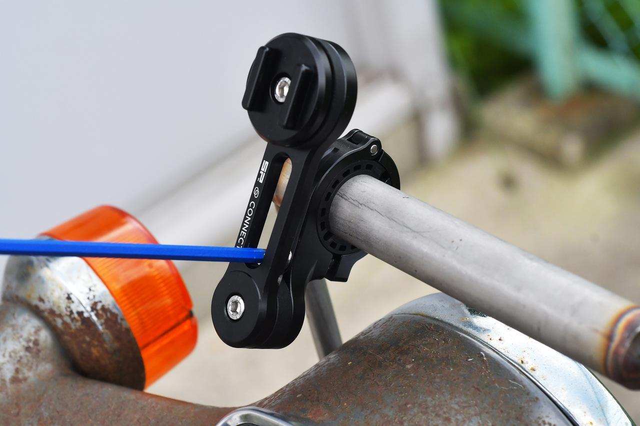 画像: ボルトを締めて完成。あとはアームの角度やスマホ取付け部の角度を4mmの六角棒レンチで調整してね。