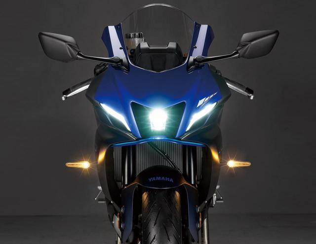 画像: ヘッドライトからウインカーまで灯火類はオールLEDとされていて、十分な光量と優れた被視認性を実現し軽量化にも貢献。