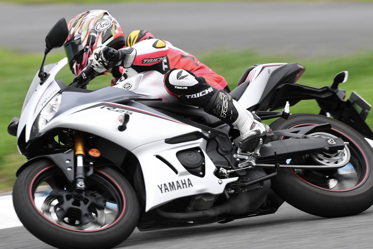 画像: 【ヤマハ YZF-R25 編】チュートリアル福田充徳さんが250ccスポーツバイクを乗り比べ! - webオートバイ
