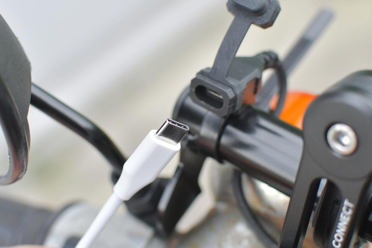 画像3: これからのUSB充電はTYPE-C PDに決まり!PD充電対応のバイク用アイテムをチェックチェック。〈若林浩志のスーパー・カブカブ・ダイアリーズ Vol.96〉