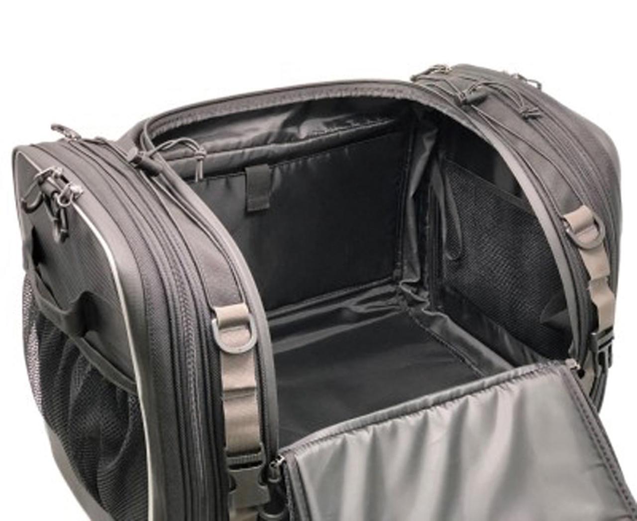 画像: 荷物の出し入れが容易な開口部に加え、形状保持設計なので収納しやすい。