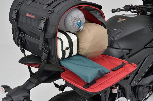 画像: 荷物が入っていても両サイドが開くので、下側に入れた荷物も簡単にアプローチできる。(DH-742不可)