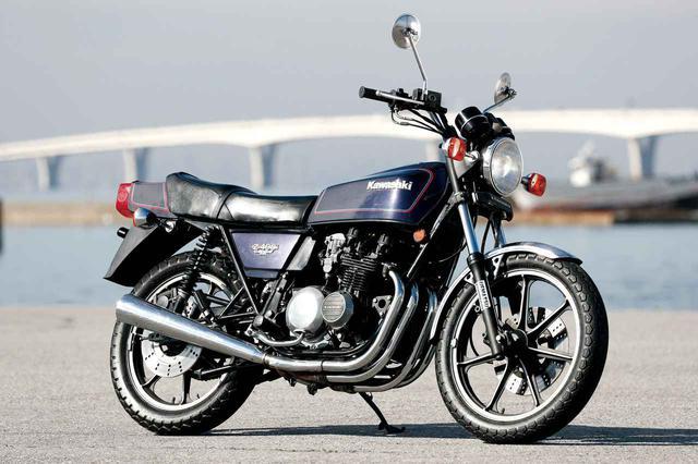 画像: Kawasaki Z400FX 1979年登場 総排気量:399cc エンジン形式:空冷4ストDOHC2バルブ並列4気筒 車両重量:205kg 当時価格:38万5000円